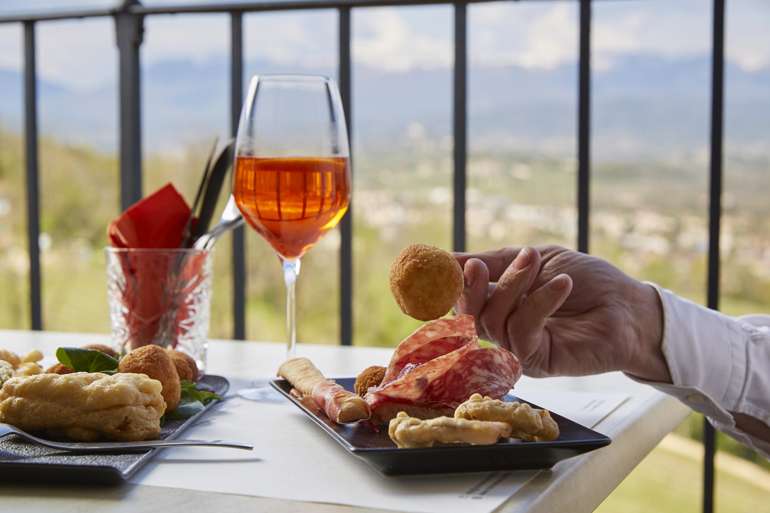 Aperitivio panoramico - Bar Ristorante al Castello Conegliano