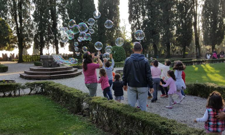 Mago delle bolle al ristorante al castello di Conegliano